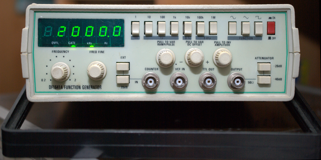 image of the DF1641A function generator